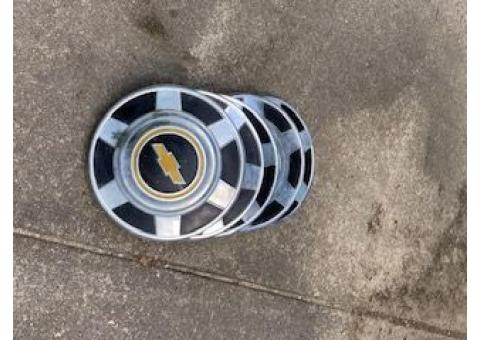 Hubcaps for Chevy trucks